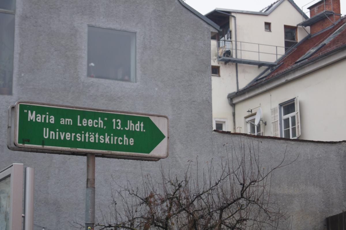 Leechkirche - Mein erster Halt war die Leechkirche in der Zinzendorfgasse – besser gesagt nicht die Kirche selbst, sondern der…